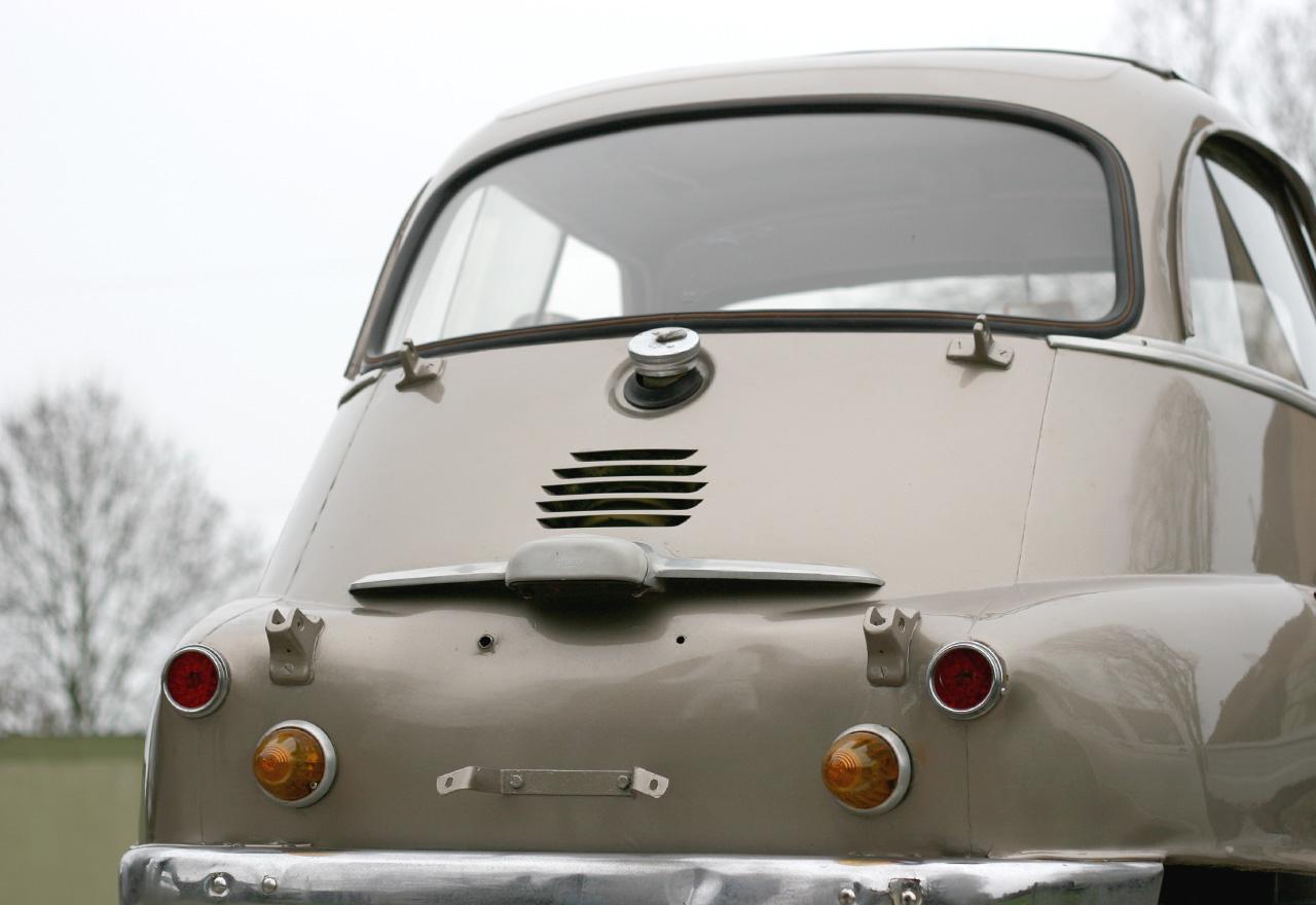 bmw isetta honsors klassische automobile. Black Bedroom Furniture Sets. Home Design Ideas
